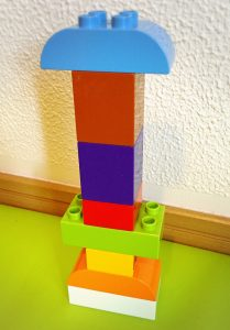 レゴブロック 積み上げる