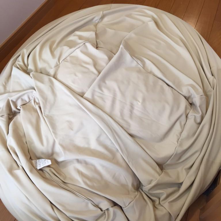 我が家に2つある、無印良品の体にフィットするソファ。 以前、カバーを新品にしてみましたが、それでも購入当初のフィット感は復活しません。