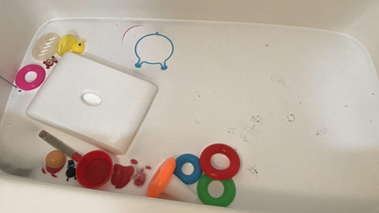 お風呂いすや洗面器の水垢 石鹸カスの掃除はオキシクリーンが大活躍